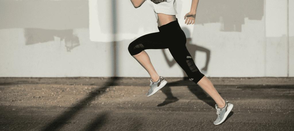 10 RÁD, AKO SI VYBRAŤ SPRÁVNU BEŽECKÚ OBUV, sportby